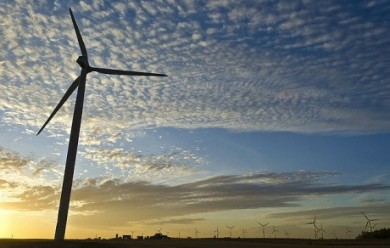 Blowing away myths: Study says wind energy could be even more reliable than baseload power