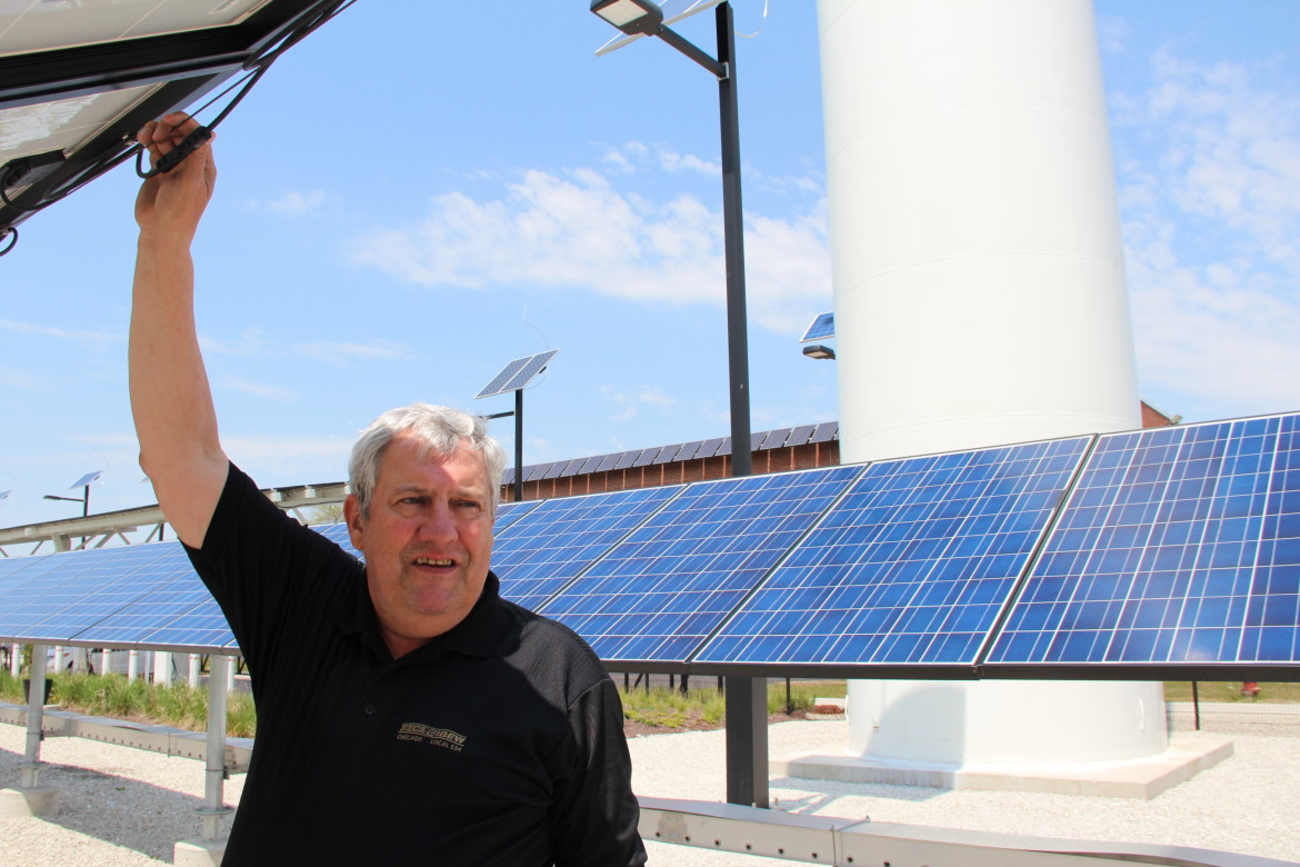 Illinois center helps train clean-energy workers for the