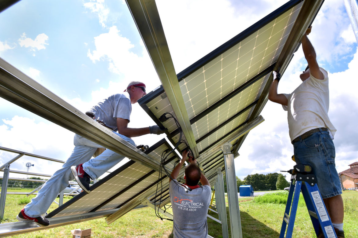 Solar companies flock to Illinois, bringing jobs, enthusiasm and