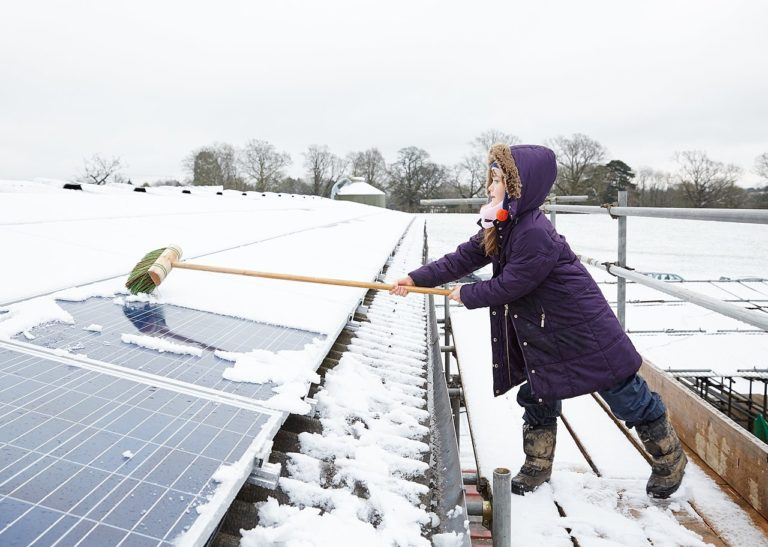 Fact check: Is snow on solar panels a problem for clean energy goals?