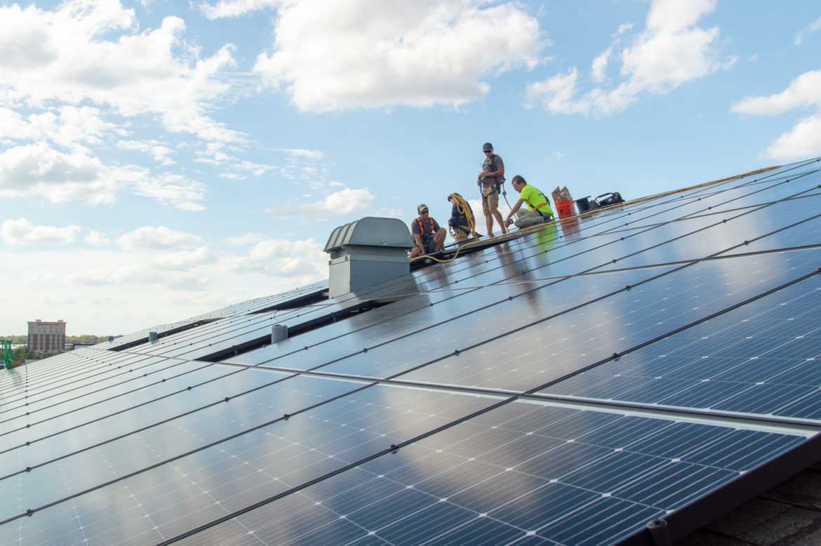 Yet another Illinois energy bill seeks to avoid 'cliff' in